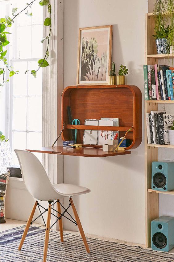 Assembler le bureau à domicile