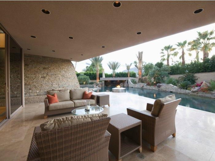 décoration de porche de piscine