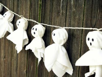guirlandes de papier fantôme