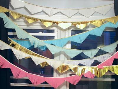 guirlandes de triangles en papier