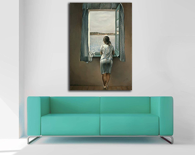 Figure sur toile dans une fenêtre par Salvador Dalí