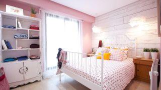 Chambre romantique en rose et blanc