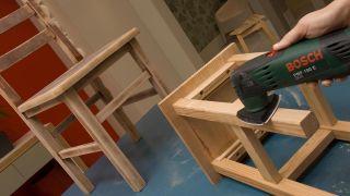 Peindre des chaises en bois - Étape 3