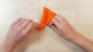 Comment faire des citrouilles en tissu - Étape 2