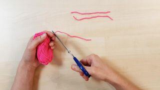 Comment faire des bonnets miniatures - Étape 1