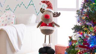 Décorez les pieds du sapin de Noël