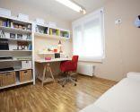 Espace de travail organisé et accueillant