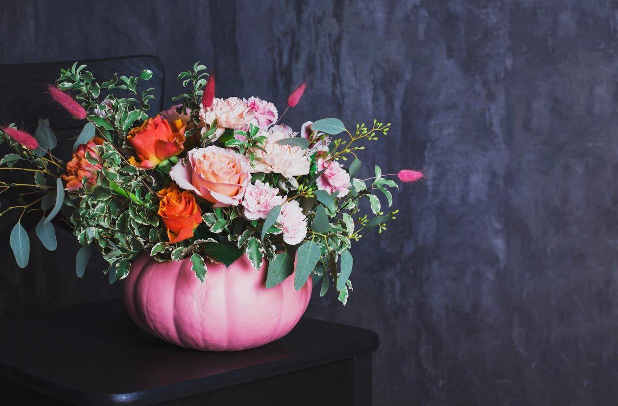 Fleurs aux tons rose poussiéreux