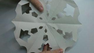 Flocons de neige en papier - Étape 10