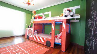 Décorer la salle des pompiers pour enfants