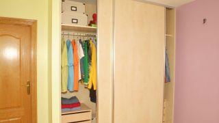 Portes coulissantes pour armoire encastrée