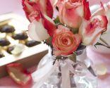 Décoration de compositions florales romantiques