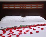 Décoration de lit le jour de la Saint-Valentin