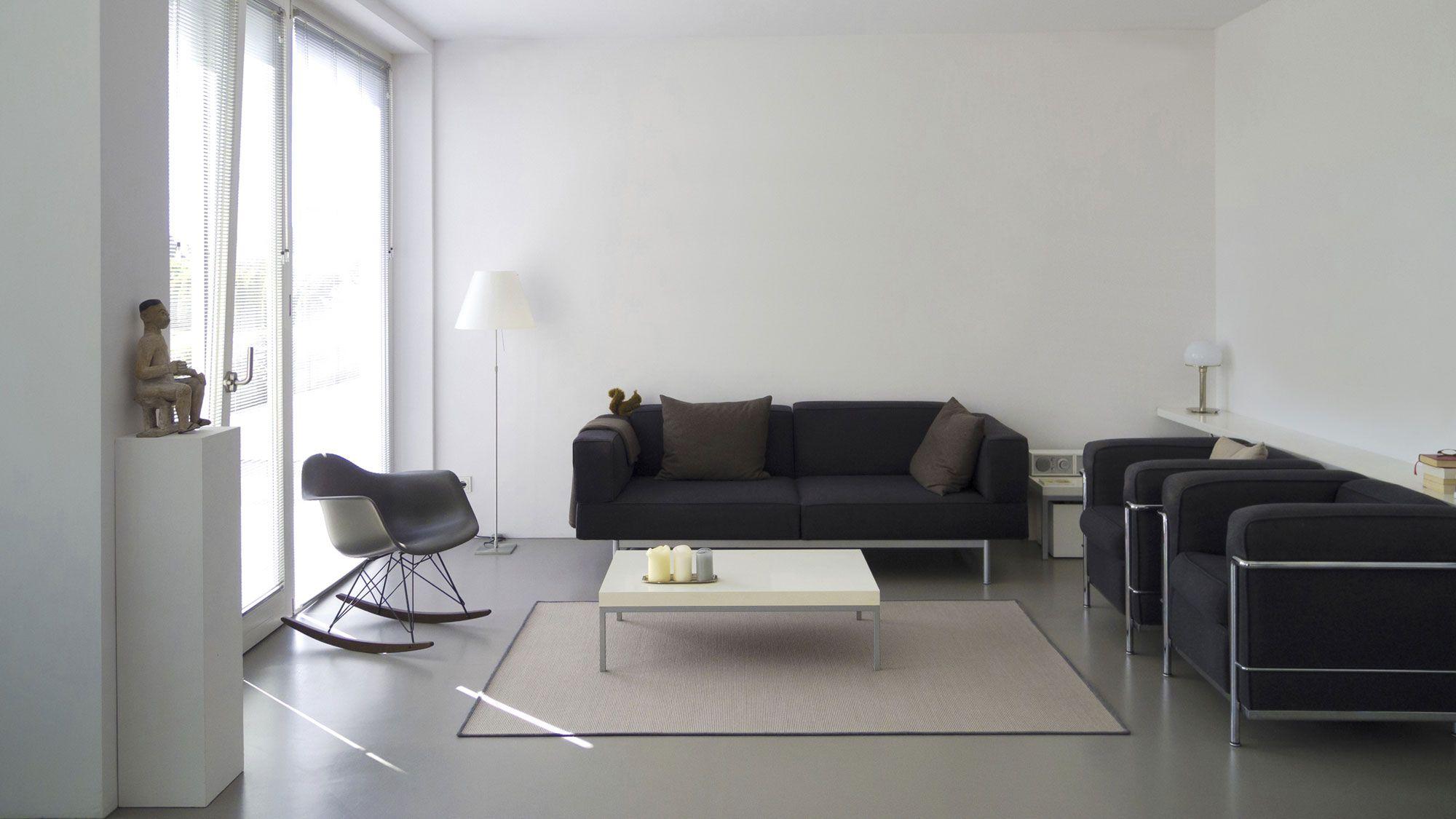 comment combiner un canapé noir