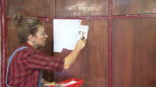 Comment peindre des meubles en bois - Étape 2