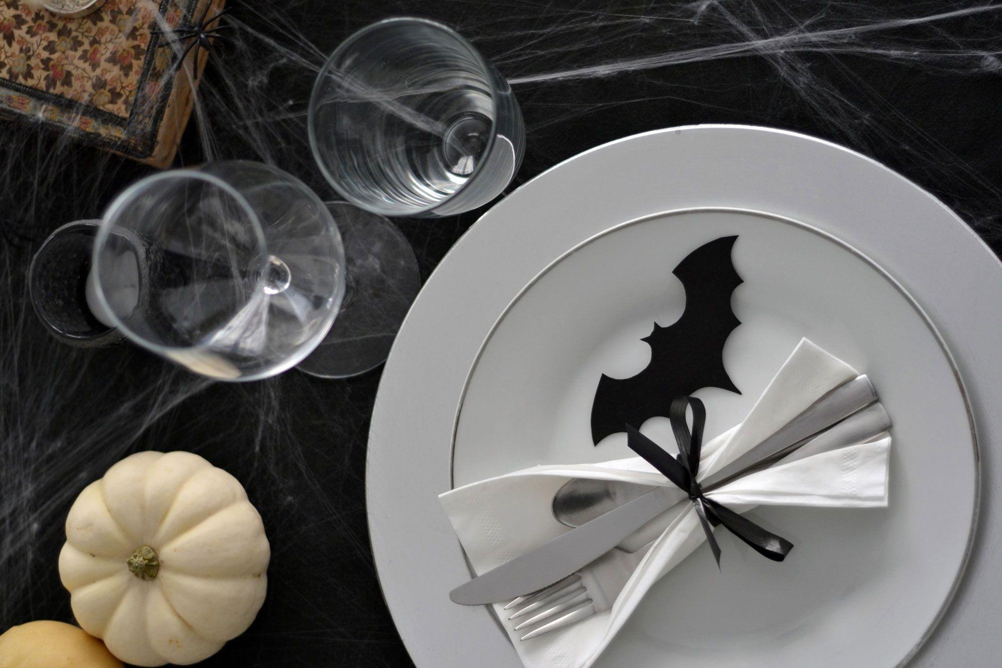 couverts, verres verres table d'halloween