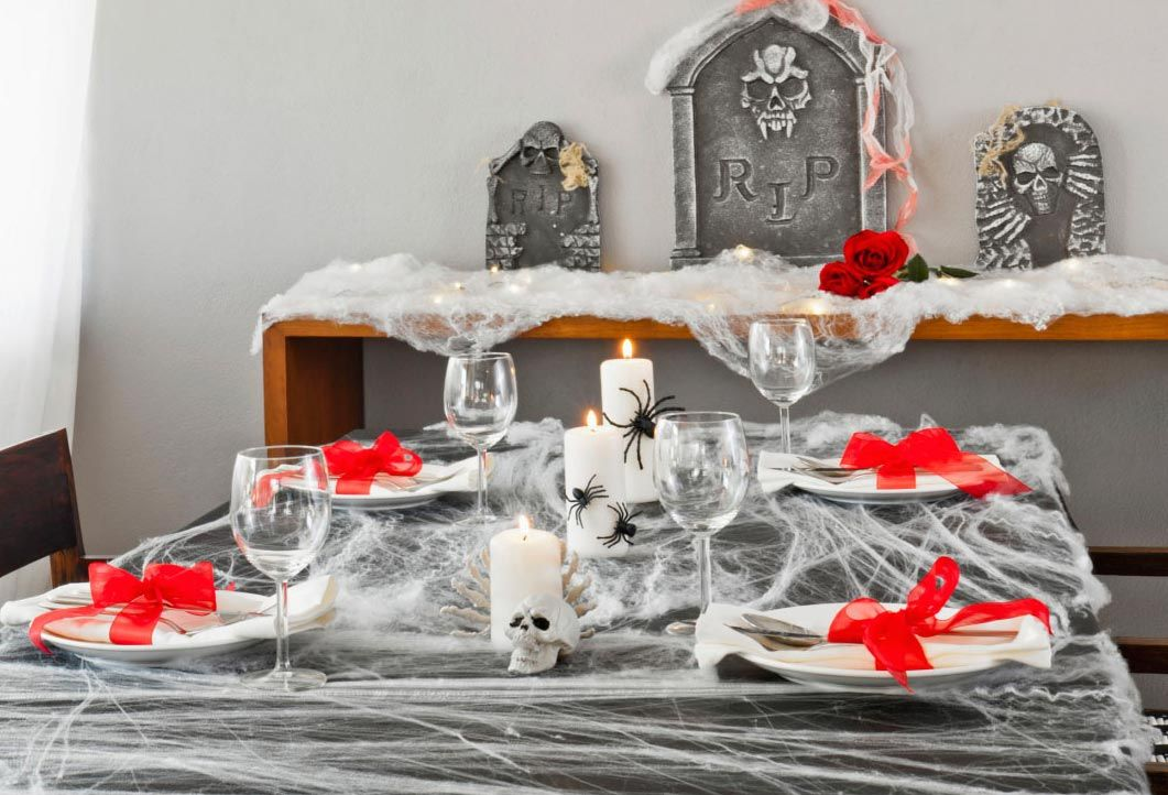 décorer la table à manger d'halloween
