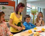 Décoration de fruits: Comment faire une souris avec un citron - Étape 3