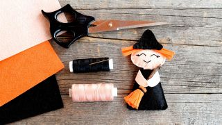 Comment faire une sorcière en feutre pour Halloween - Étape 2