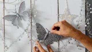 Décorez la salle avec des touches de Noël - Étape 4