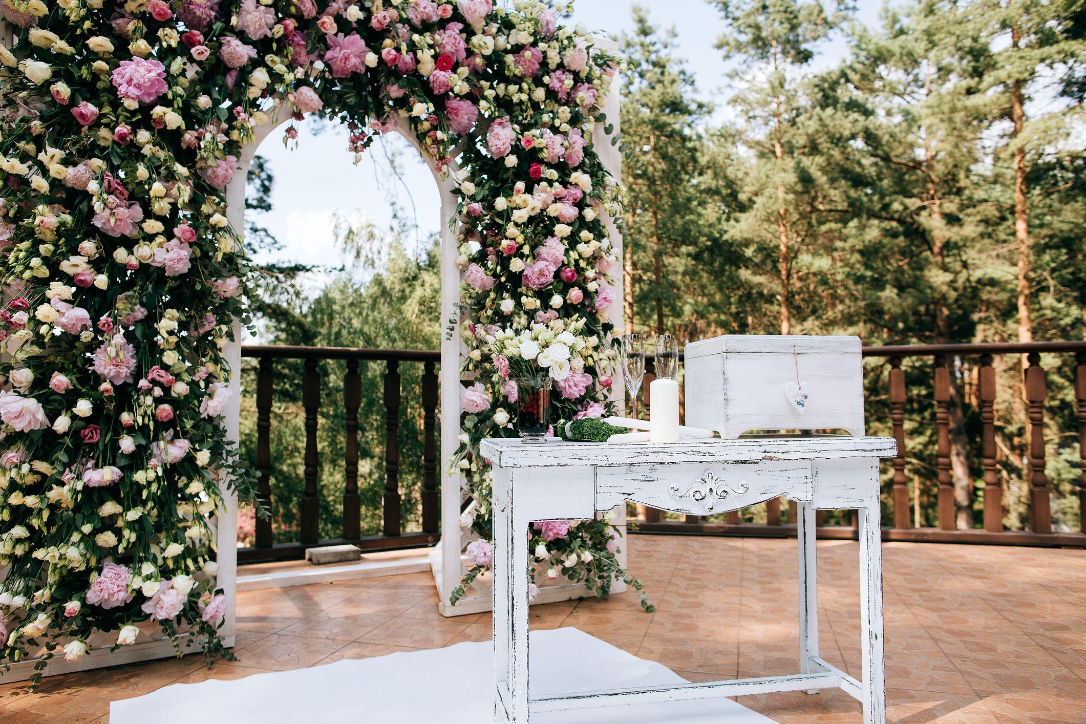 Fleurs sur l'autel