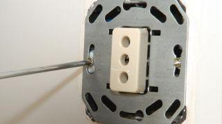 Comment réparer la prise