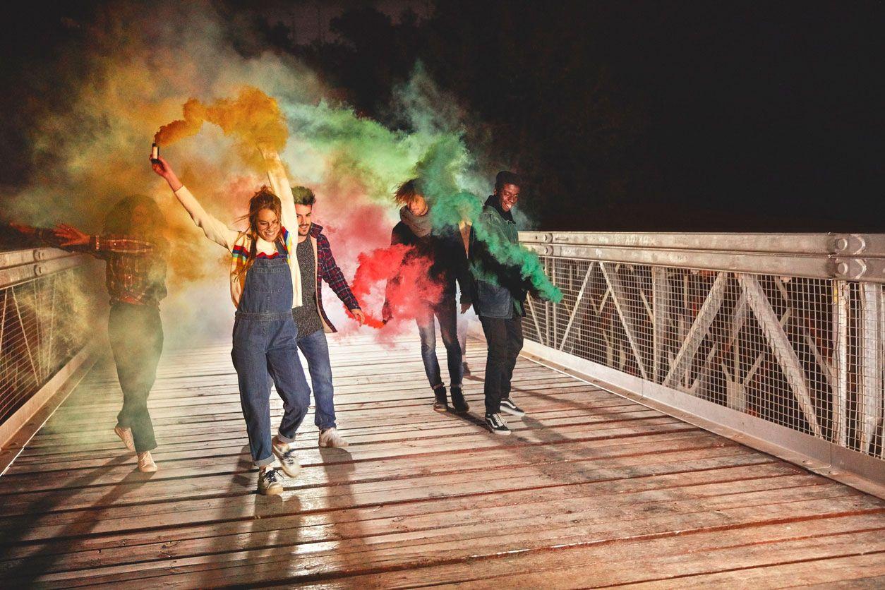 Bombes fumigènes colorées pour la photographie