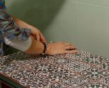 rénover une armoire de salle de bain avec un comptoir de carreaux - étape 6