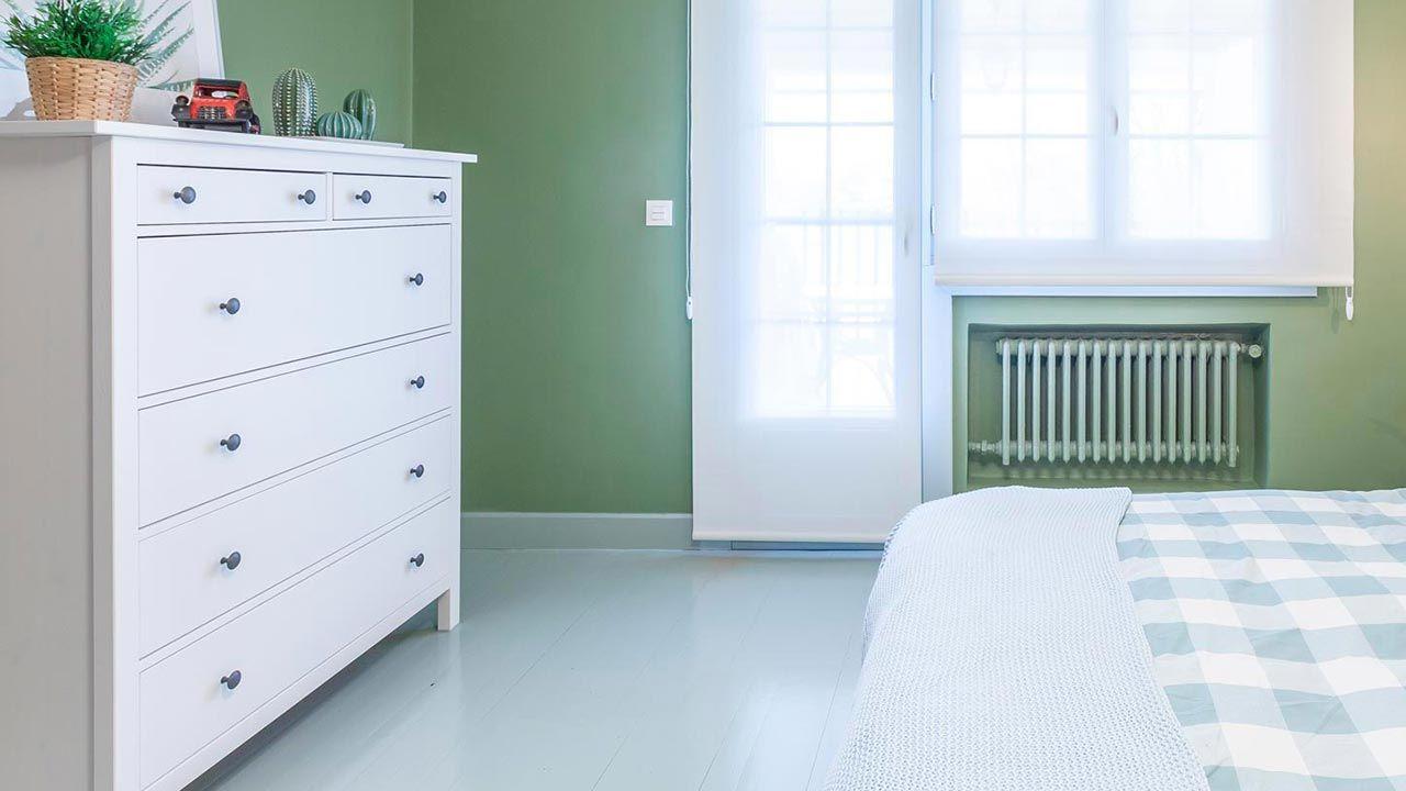peindre la couleur du plancher en bois vert pour la chambre