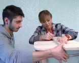 Créer une table de chevet avec un bol en métal - étape 11