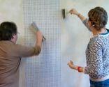 revêtement mural avec papier peint à carreaux tartan - étape 3