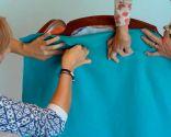 Fauteuil à oreilles rembourré avec tissus colorés - étape 3