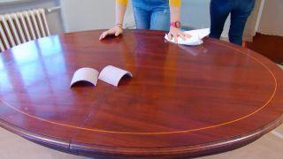 Comment peindre une table à manger en bois vierge - Étape 2