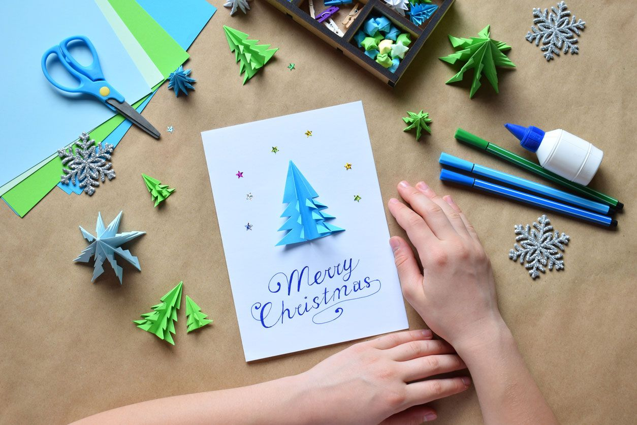 Comment faire du lettrage pour une carte postale de Noël