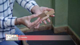 Comment recouvrir un sol carrelé avec des planches imperméables - Étape 3