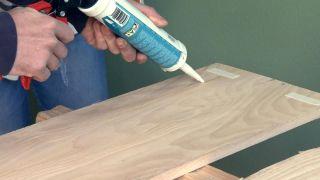 Revêtement du mur avec du bois de pin - Étape 4