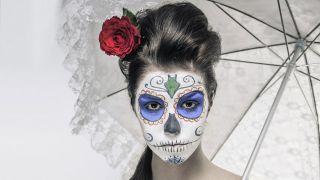 Maquillage Catrina, obtenez le look de crâne mexicain
