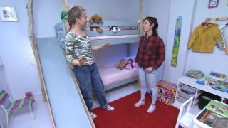 Chambre d'enfants avec lits superposés et toboggan étape 14
