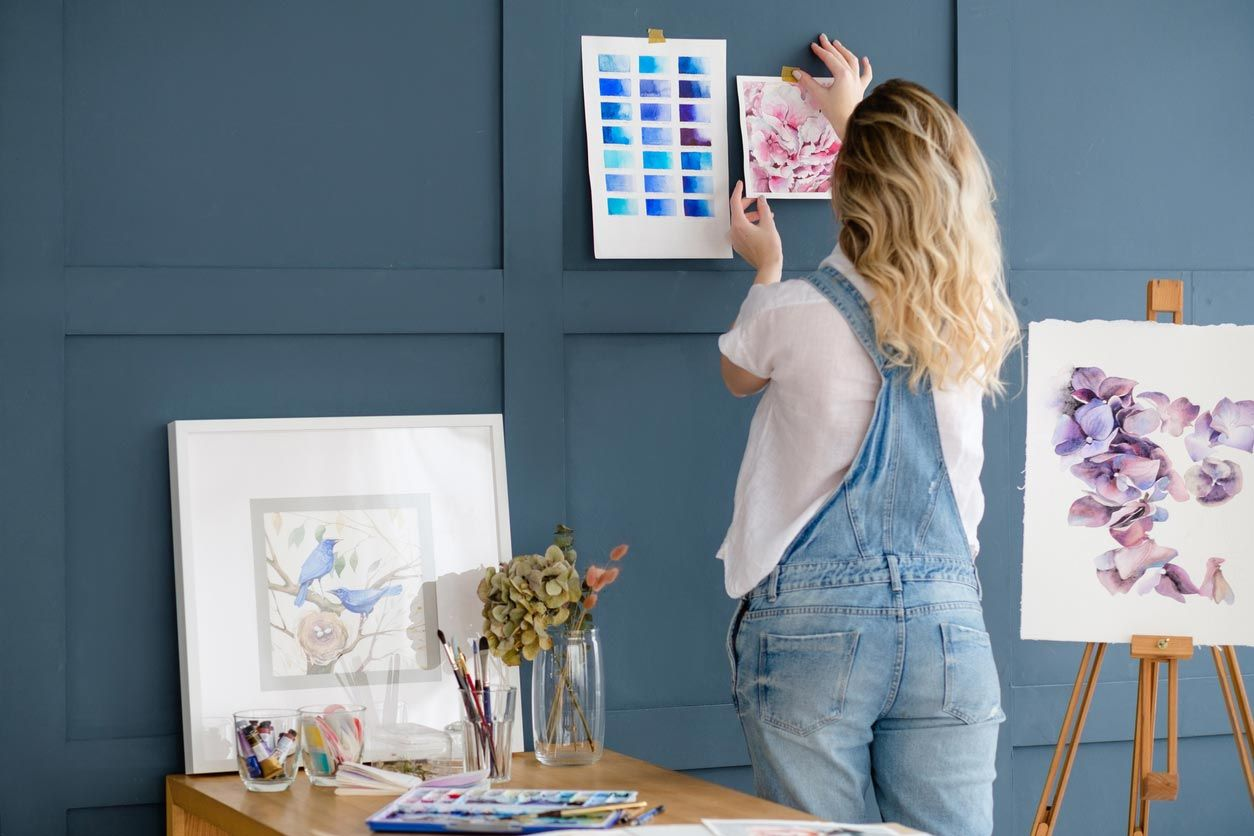 Décorez le mur de votre chambre avec vos propres dessins