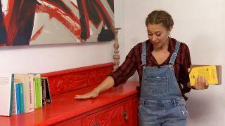Nous avons peint un très vieux meuble, en rouge!  - Étape 4
