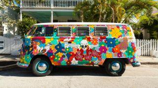 Comment décorer une camionnette hippie