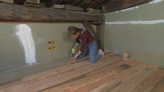 Nous transformons un grenier totalement vide en un salon spacieux et confortable - Étape 1