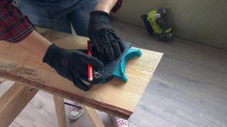 Nous transformons une pièce mansardée vide en une cuisine de campagne en bois - Étape 3