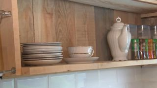 Nous convertissons une pièce mansardée vide en une cuisine de campagne en bois - Étape 6