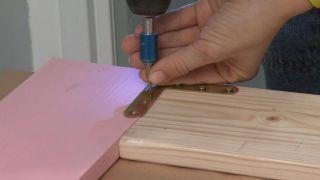Décorez une petite et simple salle de bain avec un mobilier très original - Étape 8