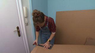 Décorez une petite salle avec des meubles en carton - Étape 5