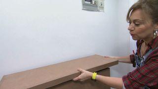 Décorez une petite salle avec des meubles en carton - Étape 12