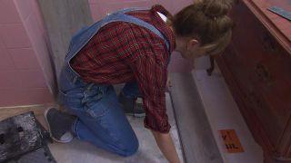Salle de bain vintage rose vif et or - Étape 3