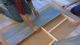Décorez une grande chambre double en bleu à partir de zéro étape 8