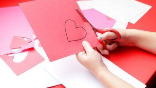 Carte avec des coeurs en carton étape 1
